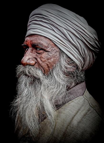 hindu pilgrim 3 by sawsengee