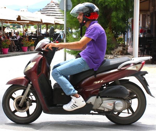 Motorbike by ddolfelin