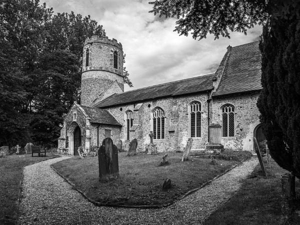 St Margaret\'s Church, Syleham by pdunstan_Greymoon