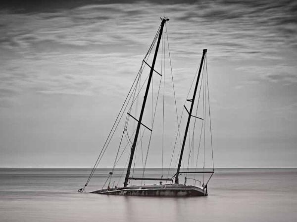 sunken yacht by stefan