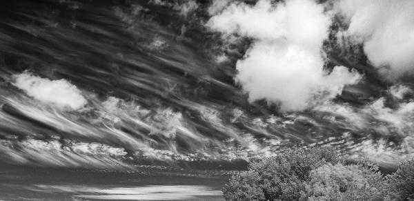 Infrared Wispy Clouds by rburnage