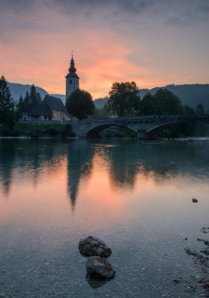 Lakeside Morning by jasonrwl