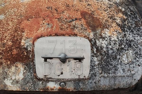 back of old renault transfluide car by jeakmalt