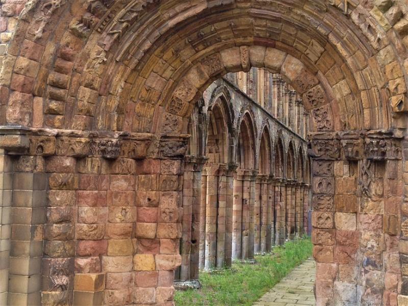 Jedbrugh Abbey - Through the Arches