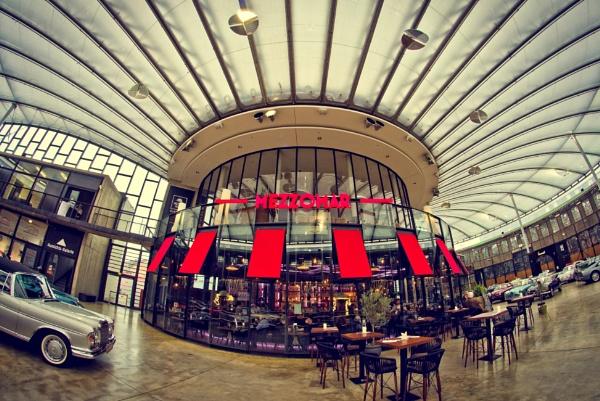 Mezzomar Restaurant in Düsseldorf by icipix