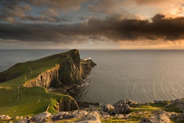 Neist Point Skye Scotland by jamie_w