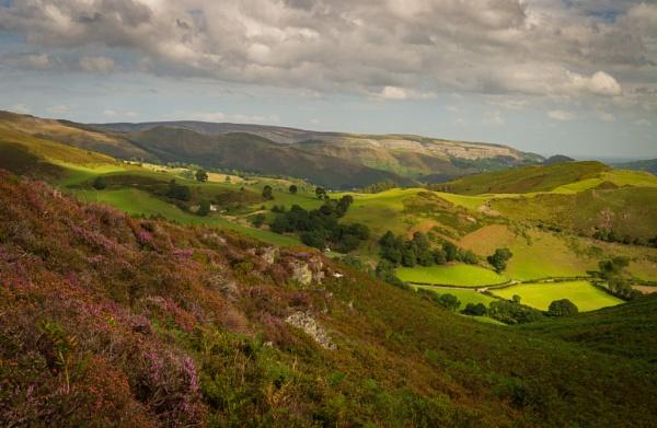 Looking towards Trevor Rocks and Dinas Brân. by Brenty