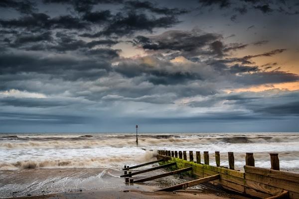 Hornsea Beach by Pete2453
