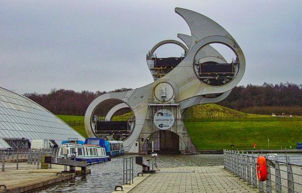 Falkirk Wheel by silverscot