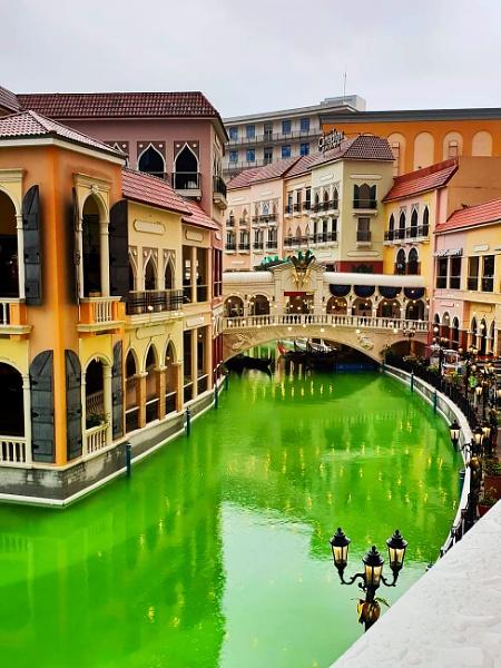 Venice Grand Canal Mall by photophantom