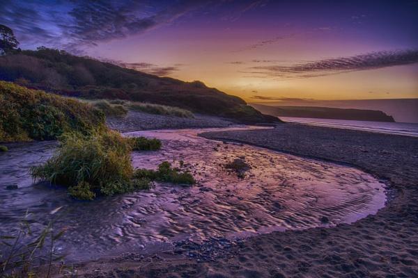 Sunrise by KazG