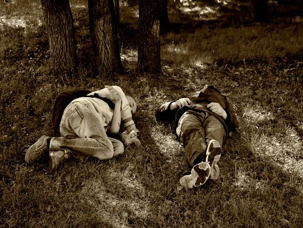 drunken slumbers by leo_nid