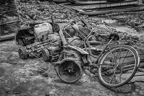 Cambodian scrap heap by IainHamer