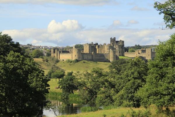 Alnwick Castle by shedhead