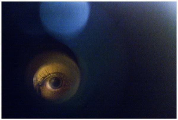 peephole by bliba