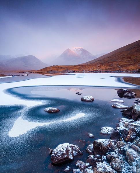 Loch Dochard by PaulHolloway