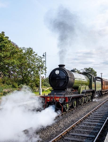 Train leaving Sheringham station by pdunstan_Greymoon