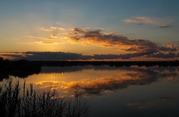 Sunrise over El Hondo by MAK54