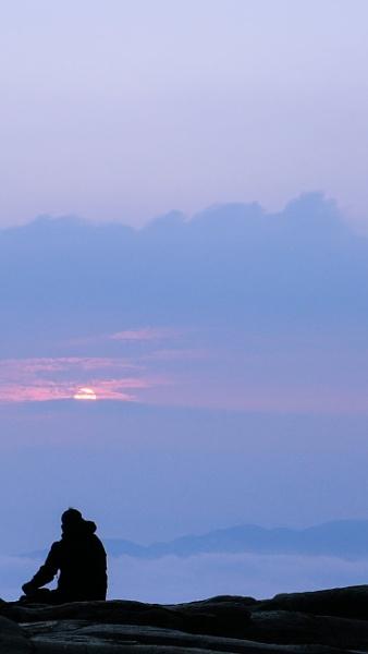 Morning mist by Maisarah