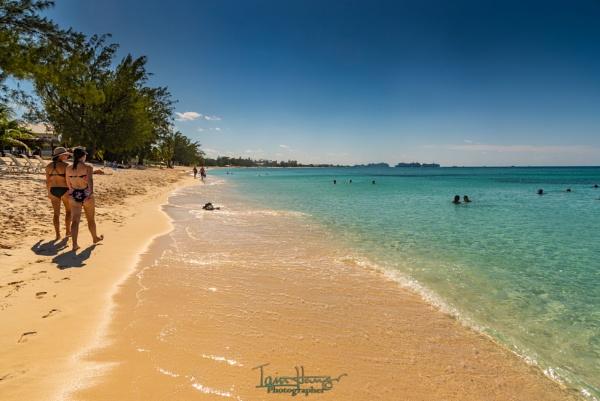 7 Mile Beach by IainHamer