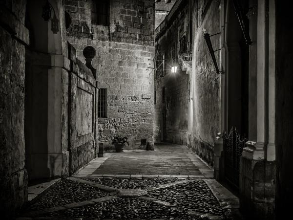 Mesquita Street by Xandru
