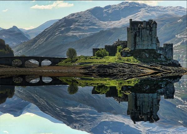Eileen Donan Castle, Loch Duich. by sandwedge