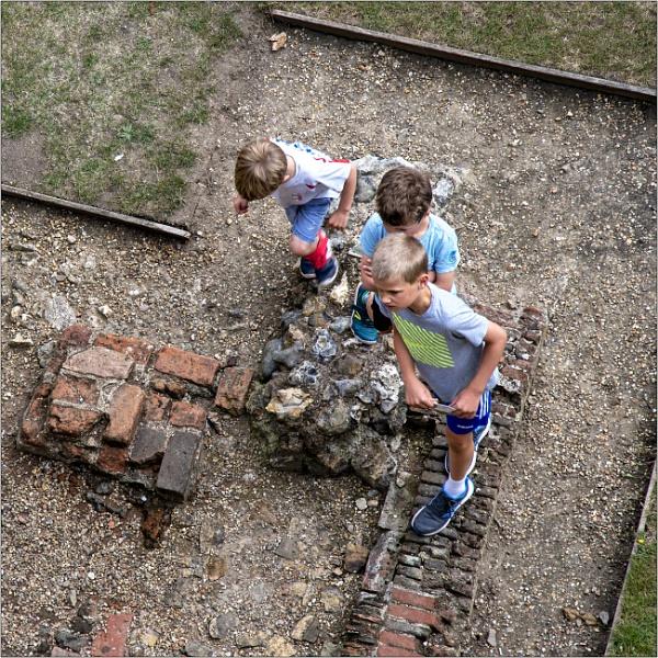 Framlingham Castle: Exploring history by mrswoolybill
