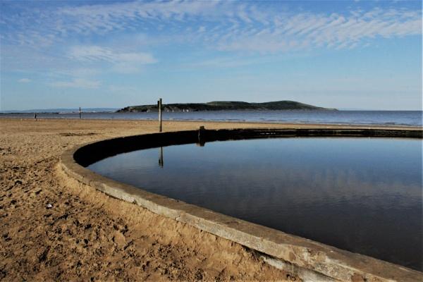 Water, water everywhere by helenlinda