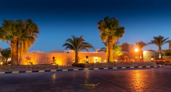 Blue hour Fort Arabesque Hotel by IainHamer