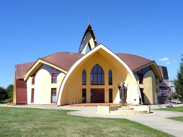 modern church. by elousteve