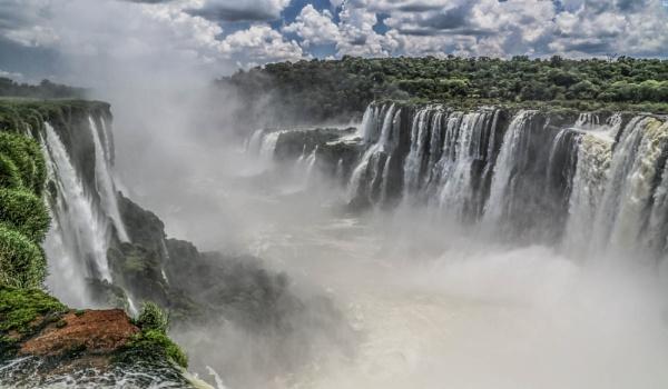 Iguassu Falls by mammarazzi