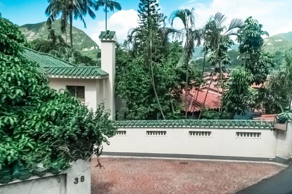 Green Villa by manicam