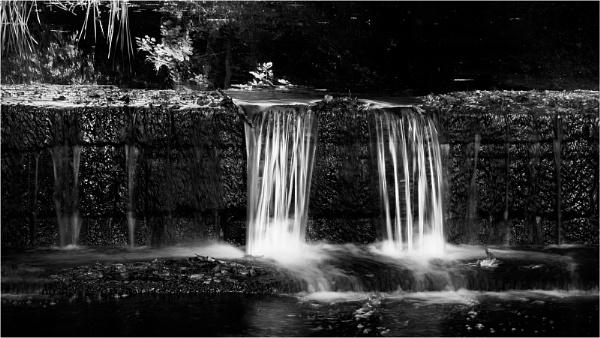Weir by fredsphotos