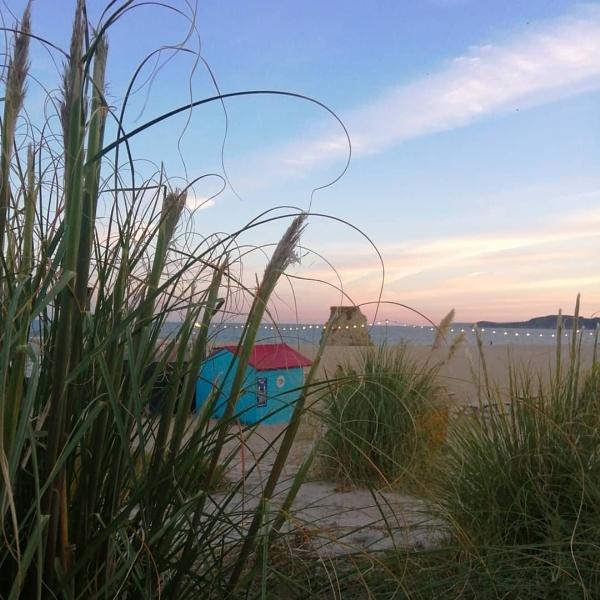 Beach serenity by sktimms