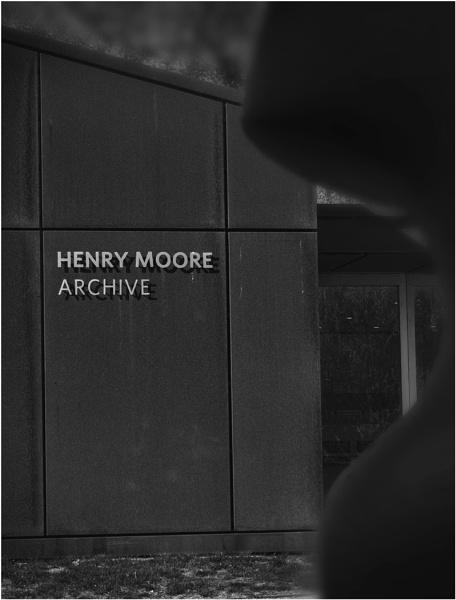 Henry\'s Studio by AlfieK