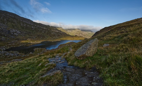 Path to Tryfan by roge21