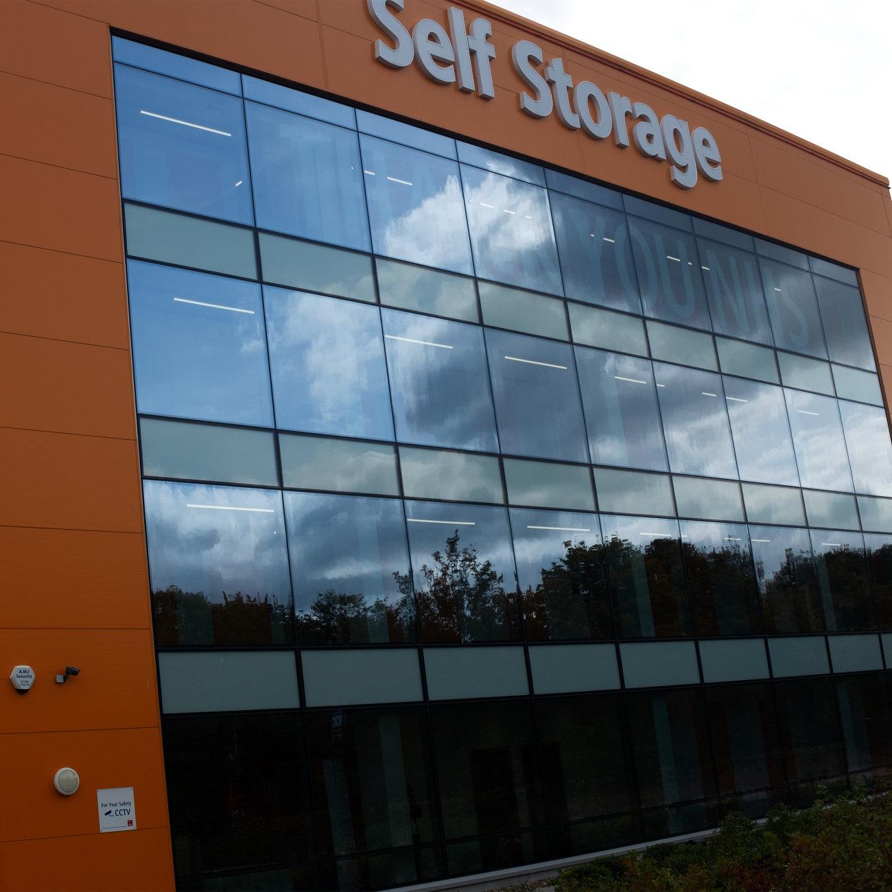 'University opens new student  accommodation block'