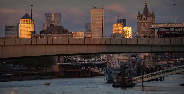 London glow by rontear