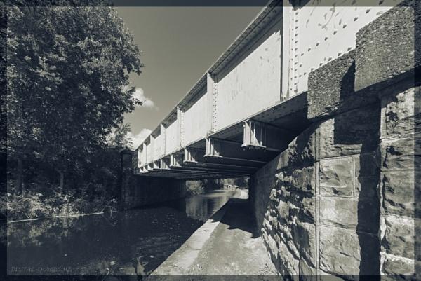 Railway Bridge by Alan_Baseley