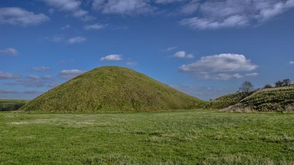 Silbury Hill by woodini254