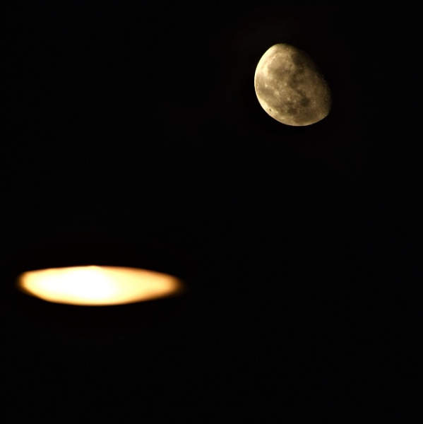 Street light and moon by Madoldie