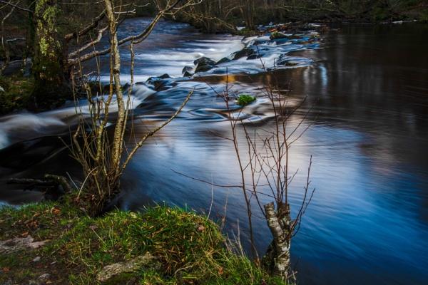 Flowing by JohnDyer
