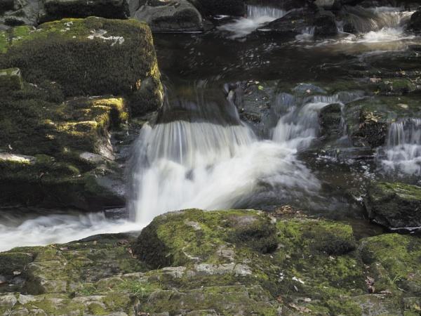 waterfall by elmer1