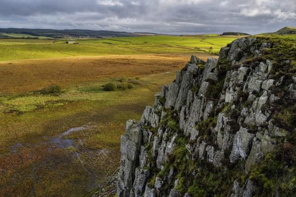 Hadrian\'s Wall. Steel Rig by AndrewAlbert