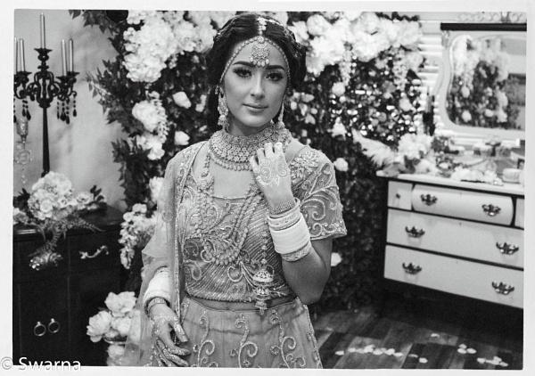 The Bride in Salon... by Swarnadip