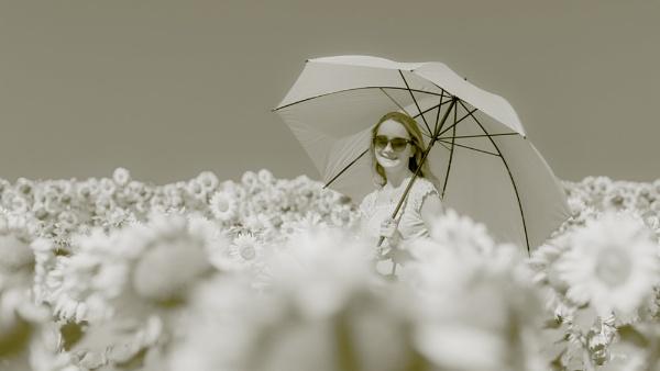 Flower girl by Stevetheroofer