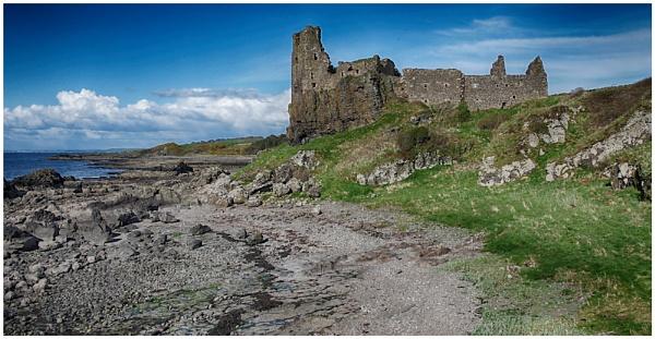 Castle on the Beach by sueriley