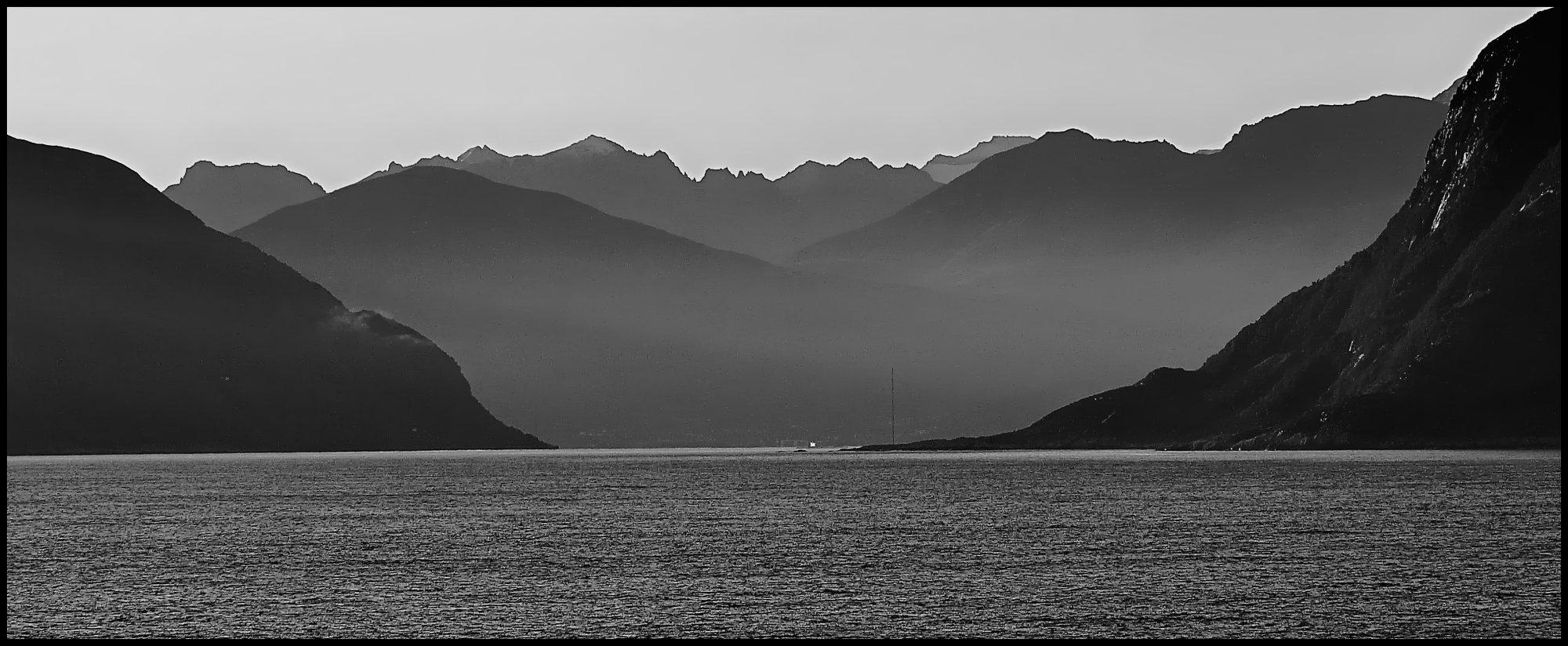 Approaching Geiranger Fjord