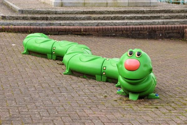# Giant Caterpillar by davyskid