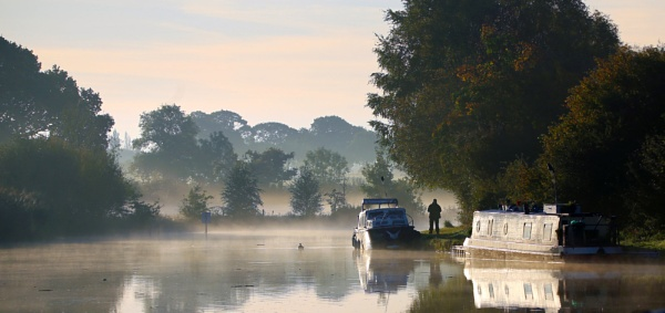 Quiet mooring by Ffynnoncadno